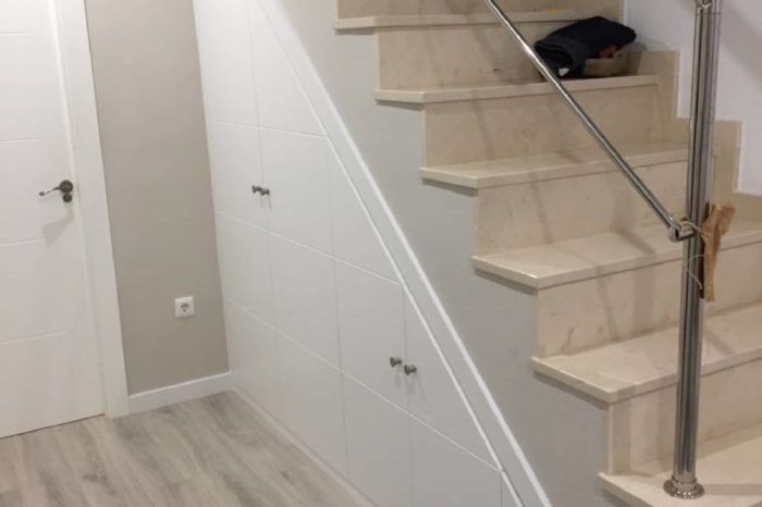 Como Aprovechar Espacios bajo Escaleras Málaga